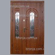 Двері вхідні броньовані.