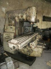 Продам станок вертикально-фрезерный СФ40, аналог 6Р12