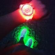 часы Мужские и женские уникальные оригинальные с подсветкой распродажа