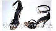 Вечерние женские черные босоножки на шпильке леопард